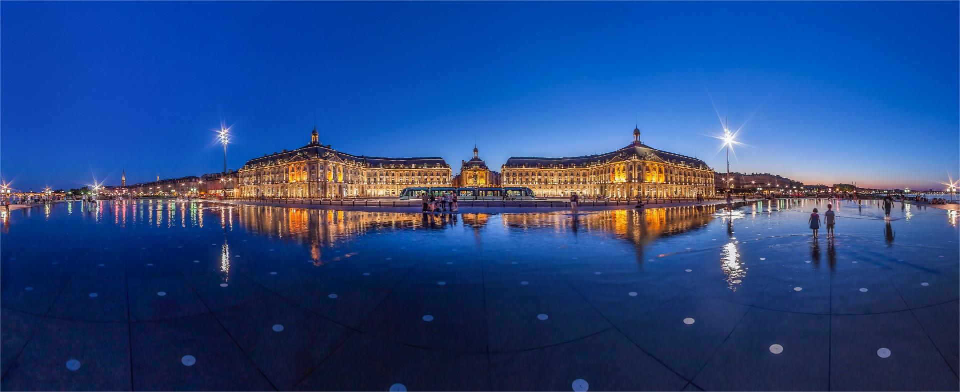 Miroir-d-eau-Bordeaux
